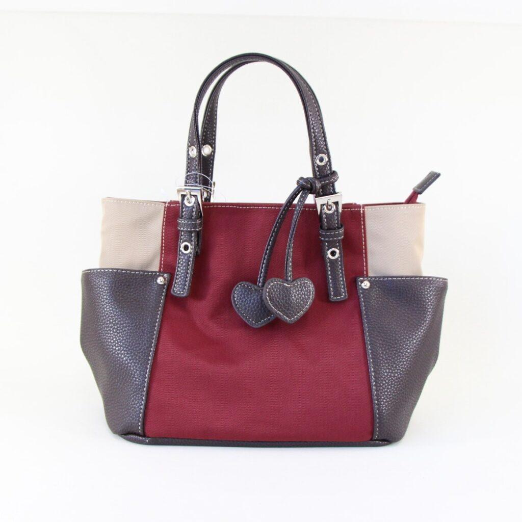 赤茶色のバッグの画像