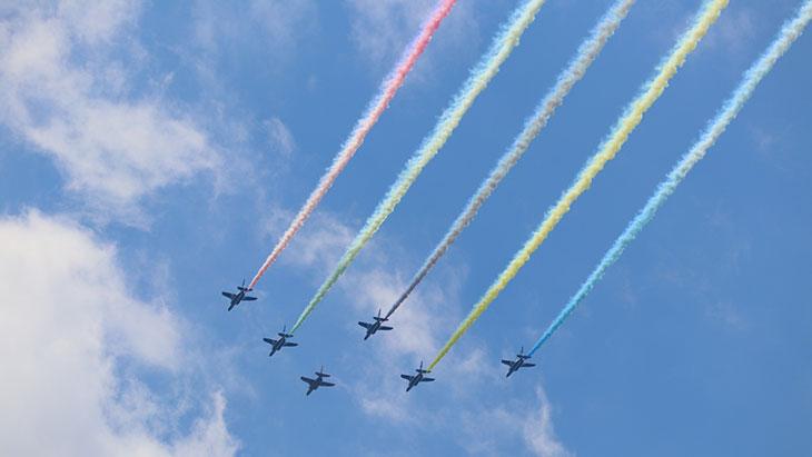 東京オリンピック開会式ブルーインパルスの画像